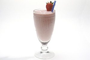Banana strawberry smoothie with almond milk